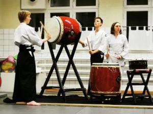 Riai Taiko Drum Circle med Alina, Einar och Orvar